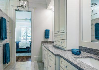 white and blue bath